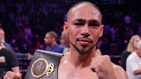 Keith Thurman mempertahankan gelar juara kelas super berat WBA usai menundukkan Jesesito Lopez - INDOSPORT