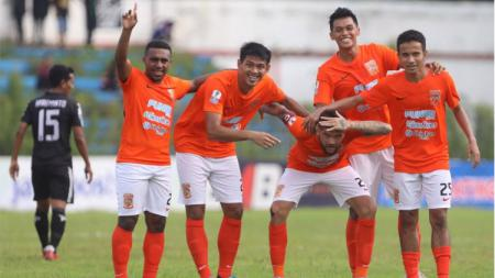 Perayaan para pemain Borneo FC usai membobol gawang PS Mojokerto Putra di Piala Indonesia 2018/2019, Selasa (29/01/19) - INDOSPORT