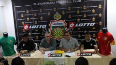 Indosport - Arungi Liga 1 2019, Bhayangkara Resmi Gaet Sponsor Asal Italia.