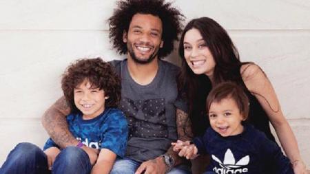 Keluarga bek veteran Real Madrid, Marcelo. - INDOSPORT