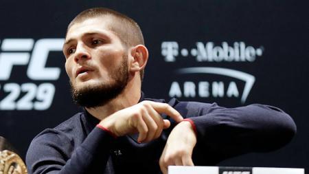 Khabib Nurmagomedov akan kembali menggelar pertarungan UFC pada September 2019 mendatang. - INDOSPORT