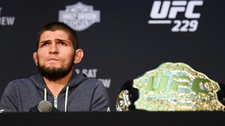 Khabib Nurmagomedov menganggap pihak UFC kurang peduli terhadap para petarung Rusia. - INDOSPORT