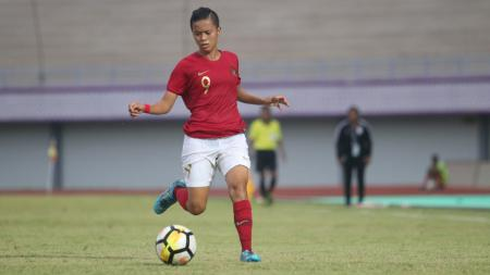 Timnas Putri Indonesia saat menghadapi India. - INDOSPORT