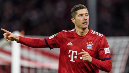 Robert Lewandowski, striker klub Bundesliga Jerman, Bayern Munchen, pernah dibujuk Cristiano Ronaldo dan Sergio Ramos untuk pindah ke Real Madrid. - INDOSPORT