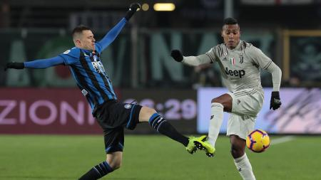 Laga panas perempatfinal Coppa Italia 2018/19 antara Atalanta vs Juventus. - INDOSPORT