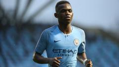 Indosport - Rabbi Matondo semasa masih membela tim muda Manchester City.