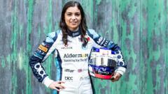 Indosport - Pembalap Formula 3 yang percaya perempuan bisa menjuarai turnamen balap