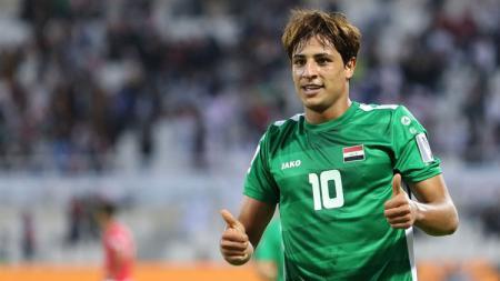 Mohanad Ali, pesepak bola Timnas Iraq dari klub Al-Shorta yang ditaksir Manchester United. - INDOSPORT
