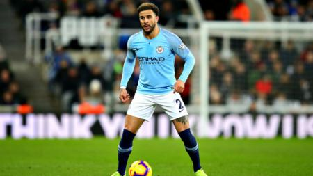 Kyle Walker dalam laga Newcastle United vs Manchester City, di St. James Park, Selasa (29/01/19). - INDOSPORT