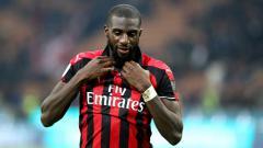 Indosport - AC Milan mendapatkan kabar gembira setelah eks pemain mereka yang kini bermain di Chelsea,  Tiemoue Bakayoko, siap potong gaji 50% demi kembali ke San Siro.