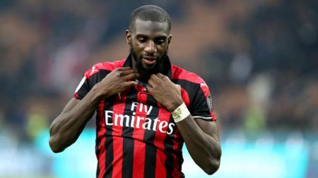 Tiemoue Bakayoko menjadi korban rasis yang dilakukan suporter Lazio. - INDOSPORT