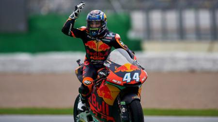 Berikut hasil kualifikasi MotoGP Portugal di mana Miguel Oliveira meraih pole position, sementara Joan Mir dan Valentino Rossi tercecer. - INDOSPORT