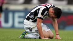 Indosport - Michele Paolucci saat membela AC Siena.