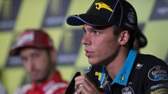 Indosport - Joan Mir yang meskipun tidak menang namun memimpin klasemen sementara MotoGP dengan empat balapan tersisa.