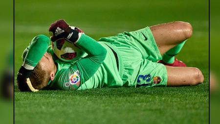 Jasper Cillessen ingin segera hengkang dari Camp Nou setelah kurang mendapatkan jam terbang. - INDOSPORT