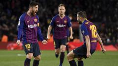 Indosport - Lionel Messi selebrasi bersama pemain Barcelona