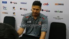 Indosport - Pelatih Timnas Basket Indonesia Wahyu Widayat Jati saat konfrensi pers. Sabtu (2/2/19).