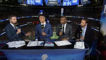 Gareth Southgate, paling kanan, hadir dalam siaran BBC selama pertandingan final Super Bowl 53 - INDOSPORT