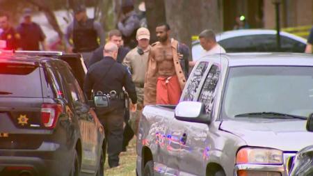 Cedric Joseph Marks berhasil ditangkap setelah melarikan diri. - INDOSPORT