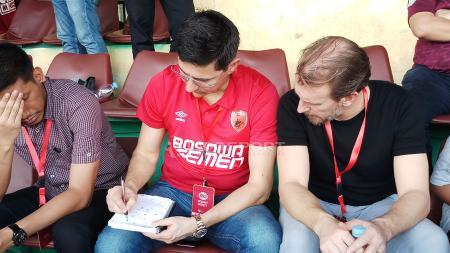 Pelatih anyar PSM Makassar, Darije Kalezic hadir langsung menyaksikan laga PSM kontra Kalteng Putra, Minggu, (03/02/19). - INDOSPORT