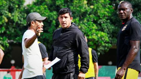 Pelatih Bhayangkara FC, Alfredo Vera. - INDOSPORT