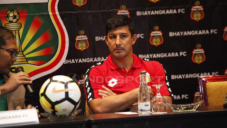 Pelatih anyar Bhayangkara FC, Alfredo Vera Copyright: Herry Ibrahim/INDOSPORT