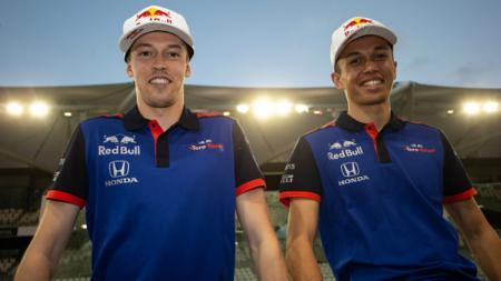 Daniil Kvyat dan Alexander Albon, saat masih bersama di tim Toro Rosso di F1 2019. - INDOSPORT