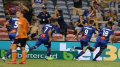 Indosport - Liga sepak bola Australia (A League) akhirnya menghentikan kompetisi akibat semakin maraknya pandemi corona.