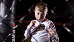 Indosport - Petarung MMA termuda di dunia, Alfie Williams.