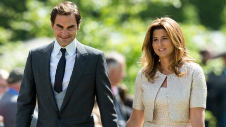 Roger Federer dan sang istri, Mirka. - INDOSPORT