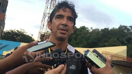 Pelatih Persipura Jayapura, Luciano Leandro. - INDOSPORT