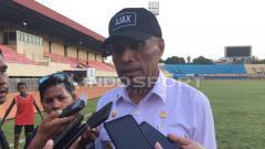 Indosport - Manajemen Persipura Jayapura meminta kepada Ketua Umum PSSI, Iwan Bule untuk tidak mengabaikan klub kontestan Liga 1 jika ingin mengetahui persoalan dalam tubuh LIB.