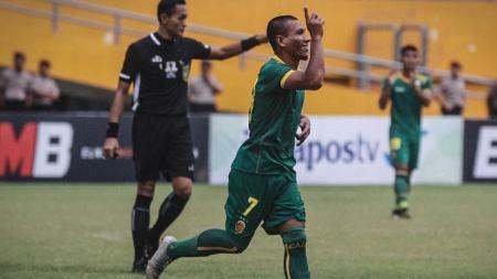 Sriwijaya FC sukses merebut satu tiket ke babak 16 besar Kratingdaeng Piala Indonesia, setelah bermain imbang 1-1 dengan tuan rumah PS Keluarga USU Medan, di Stadion Mini USU, Medan, Kamis (7/2). - INDOSPORT
