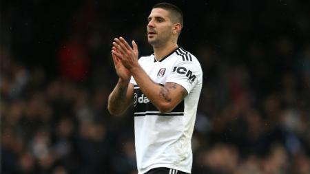 Dimitar Berbatov mengatakan bahwa striker Fulham yang bernama Aleksandar Mitrovic akan ditakuti oleh para bek di Liga Inggris. - INDOSPORT