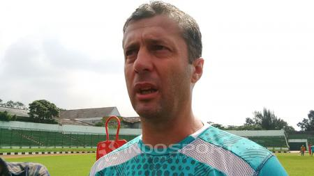 Pelatih Persib, Miljan Radovic. - INDOSPORT