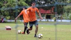 Indosport - PSS Sleman kedatangan pemain asing Mido Saad dalam sesi latihan