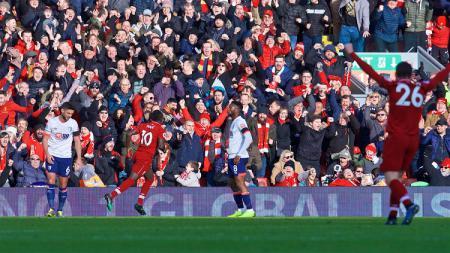 Sadio Mane merayakan gol ke gawang Bournemouth - INDOSPORT
