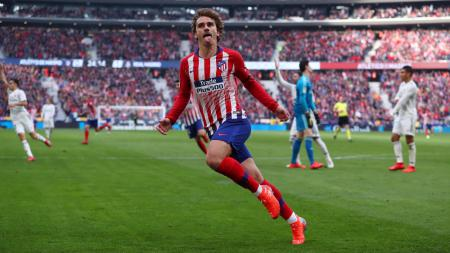 Selebrasi Antoine Griezmann usai cetak gol ke gawang Real Madrid. - INDOSPORT