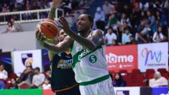 Indosport - Laga IBL Indonesia Pasific Caesar Surabaya vs Satya Wacana Salatiga