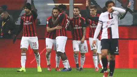 Klub sepak bola Serie A Liga Italia, AC Milan, tidak akan bisa menurunkan formasi terbaik mereka untuk menghadapi Cagliari lantaran bursa transfer Januari. - INDOSPORT