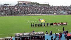 Indosport - Pertandingan Ujicoba antara Arema FC vs Timnas Indonesia U-22.