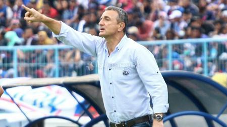 Pelatih Arema FC, Milomir Seslija. - INDOSPORT