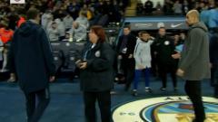 Indosport - Pep Guardiola diabaikan Maurizio Sarri usai laga Manchester City vs Chelsea, Minggu (10/02/19).