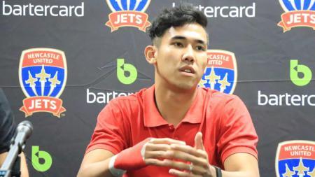 Pemain Persija Jakarta, Ryuji Utomo punya cara inspiratif untuk ngabuburit di tengah aturan PSBB. - INDOSPORT