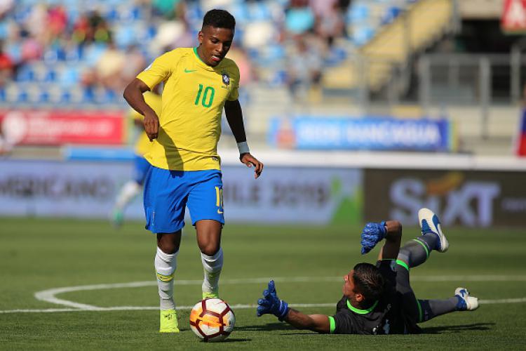 Rodrygo saat membela Timnas Brasil. Copyright: INDOSPORT