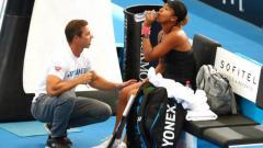 Indosport - Naomi Osaka dan Sascha Benjin berhasil meraih hasil luar biasa hanya dalam kurun waktu satu tahun.
