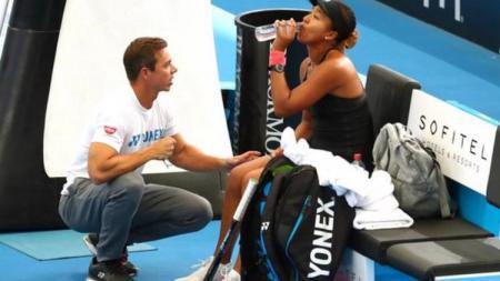 Naomi Osaka dan Sascha Benjin berhasil meraih hasil luar biasa hanya dalam kurun waktu satu tahun. - INDOSPORT