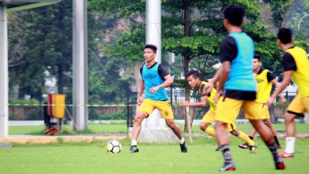 Tim Bhayangkara FC saat latihan. - INDOSPORT