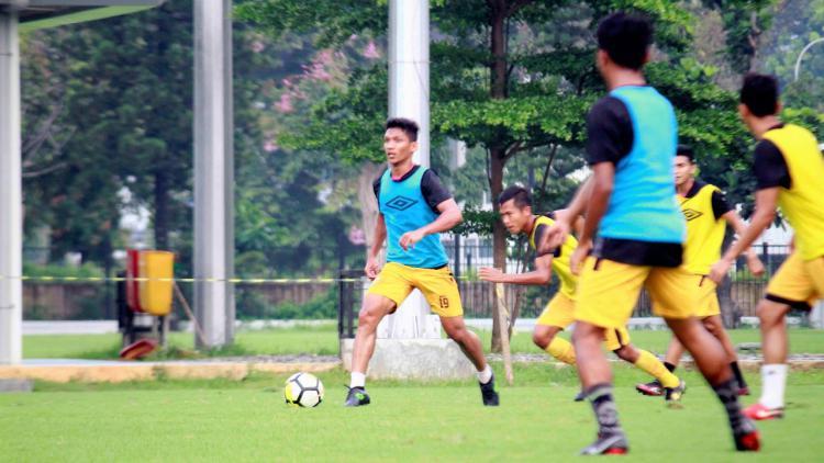 Tim Bhayangkara FC saat latihan. Copyright: Media Bhayangkara