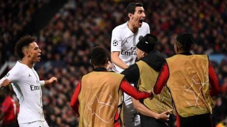 Angel Di Maria saat ikut merayakan gol PSG di Old Trafford. - INDOSPORT